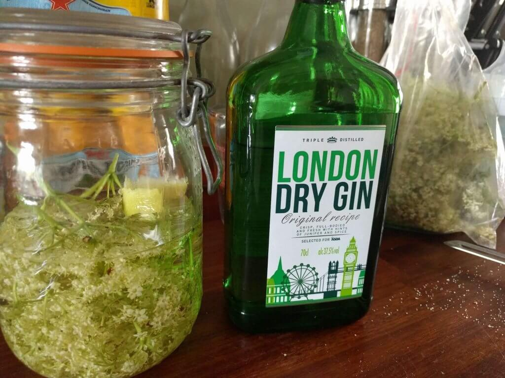 Recipe: Elderflower Gin
