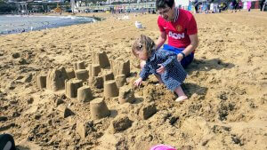 Build a sand village with Isla #101in1001 #41